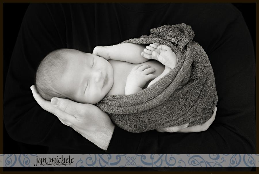 37 Washington DC Newborn Photographer