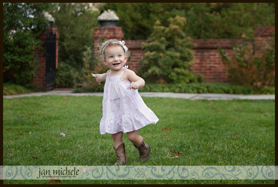 009 Washington DC Professional Photo Girl in Garden