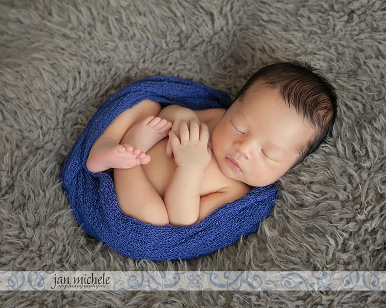 17 Loudon County Newborn Photographer