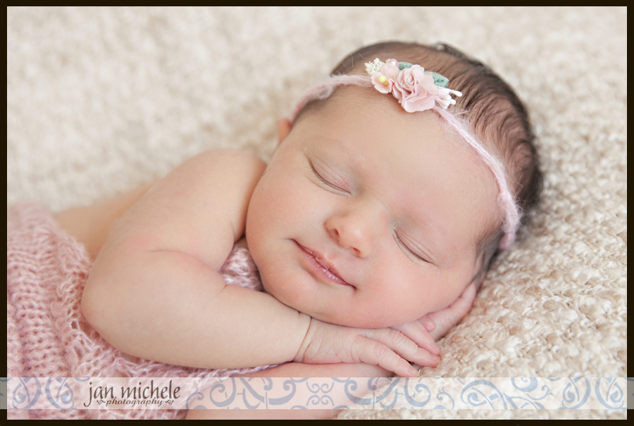 01Best Washington DC Newborn Baby Photo